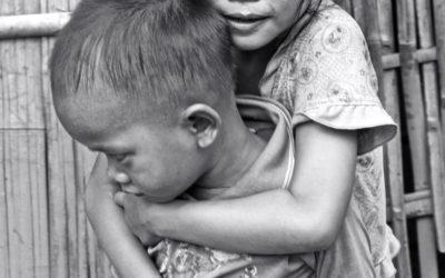 008 Siblings Laos village